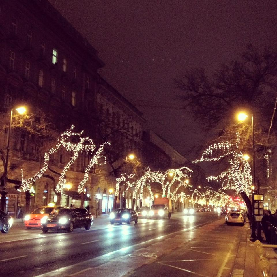 10 Photos Of The Christmas Lights In Budapest