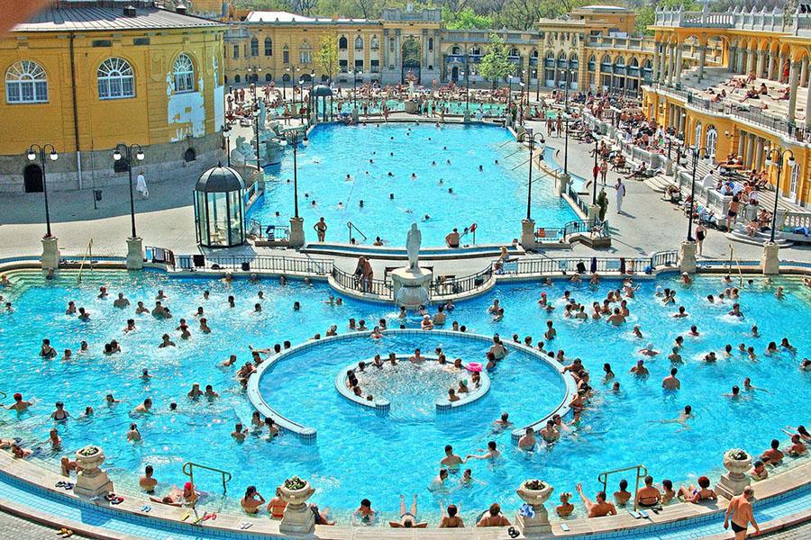 BudNews Széchenyi Bath Is The Best International Thermal Bath Of - The 5 best thermal baths in budapest