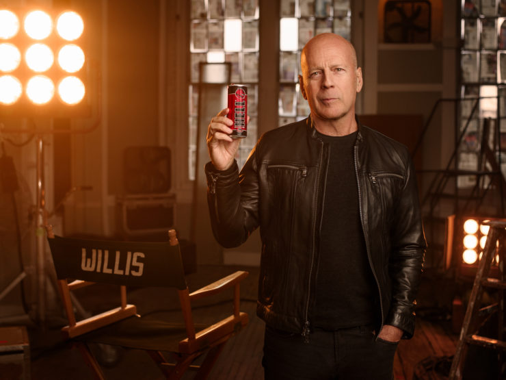 BudNews - Bruce Willis stars in a Hungarian brand's ad